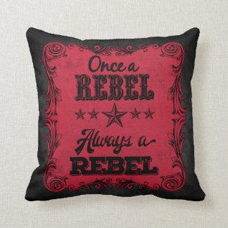Immer ein rebellisches personalisiertes Kissen