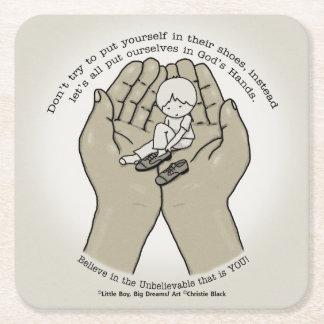 In den Händen des Gottes Rechteckiger Pappuntersetzer