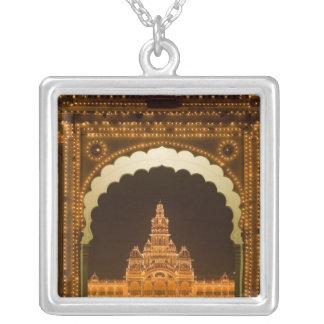 INDIEN, Karnataka, Mysore: Majarajas Palast (B. 3 Versilberte Kette