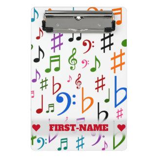 Individueller Name; Viel bunter Musiknoten und Mini Klemmbrett