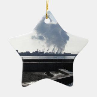 Industrielle Landschaft entlang der Küste Keramik Ornament