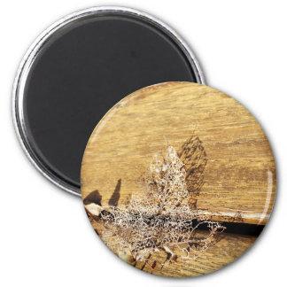 Ineinandergegriffenes Blatt Runder Magnet 5,1 Cm