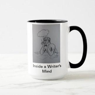 Innerhalb der Tasse eines Verfassers Sinnes
