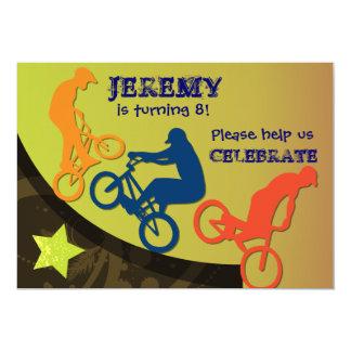 Invitation faite sur commande faisante du vélo