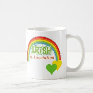 Iren durch Vereinigung Tasse