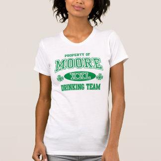 Iren-Moore-Familien-Erbtrinkendes Team T-Shirt