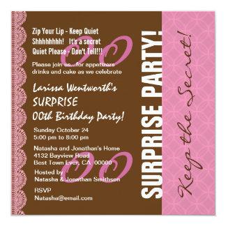 Irgendein Jahr ÜBERRASCHUNG Geburtstags-Brown-Rosa Quadratische 13,3 Cm Einladungskarte