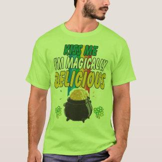 Irisch - küssen Sie mich, den ich magisch T-Shirt
