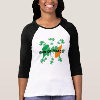 Irische Flagge mit Kleeblättern T-Shirt