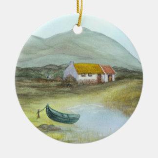 Irische Hütte #4 durch Brigid O'Neill Hovey Rundes Keramik Ornament