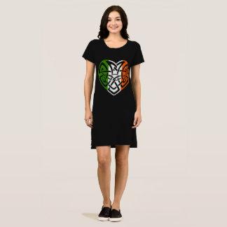 Irisches keltisches Knoten-Herz Irland Croí Kleid