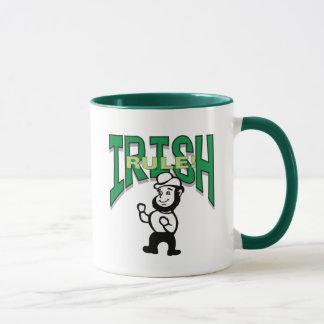 Irisches Regel-T - Shirt-Geschenk Tasse