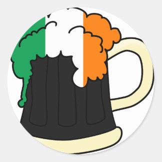 Irland-Flaggen-Bier-Tasse Runder Aufkleber