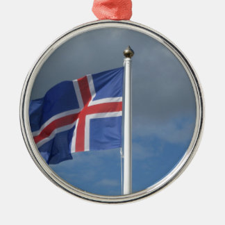 Island Flagge im Wind Rundes Silberfarbenes Ornament