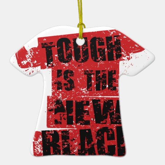IST DIE NEUE HERAUSFORDERUNGS-TURNHALLE DES KERAMIK T-Shirt-Ornament