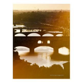 Italien, Florenz, Ponte Vecchio und der Arno an Postkarte