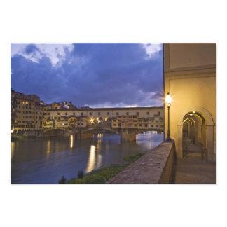 Italien, Toskana, Florenz. Ponte Vecchio Foto Druck