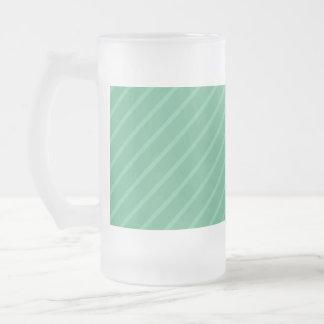Jade-Grün-Diagonalstreifen. Muster Mattglas Bierglas