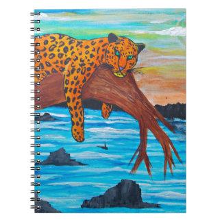 Jaguar, das auf Niederlassung sich ausruht Notizblock