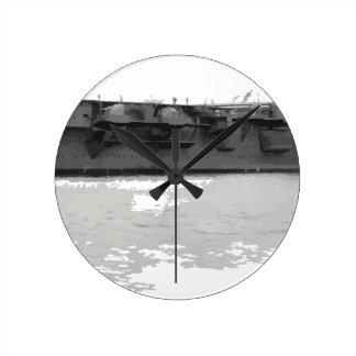 Japanese_aircraft_carrier_Hiryu_1939_cropped Runde Wanduhr