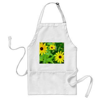 jaune de susan d'oeil au beurre noir de fleurs tablier