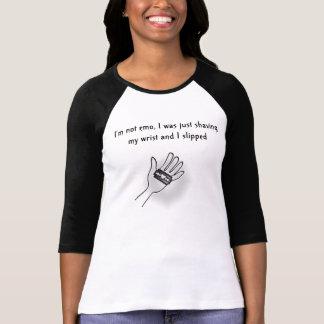 Je ne suis pas emo tee shirts