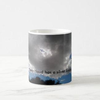 Jede Wolke hat eine silbernes Futter-Kaffee-Tasse Kaffeetasse