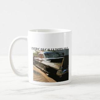 Jeder Tag ist der Vatertag, Chevy Bel Air, Kaffeetasse