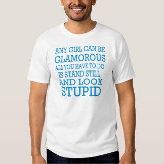 Jedes mögliches Mädchen kann bezaubernd sein Hemd