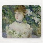 Jeune fille dans une robe de boule, 1879 tapis de souris