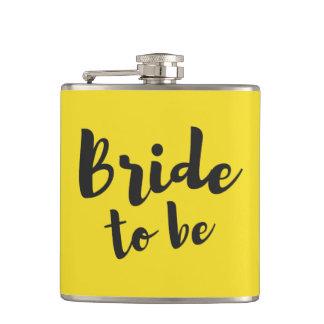 Jeune mariée à être flacon de vinyle de mariage de