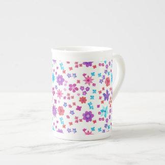Jolie tasse de porcelaine tendre de Flower power Mug Porcelaine Anglaise