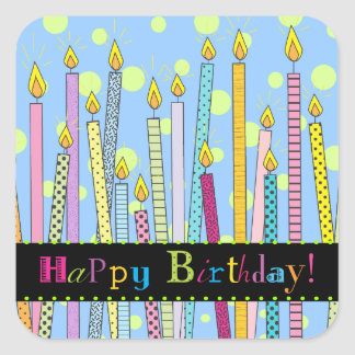 Joyeux anniversaire avec des bougies en abondance autocollants carrés