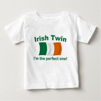 Jumeau irlandais parfait tshirts