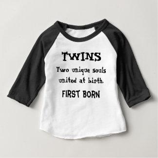 Jumeaux - deux âmes uniques t shirts