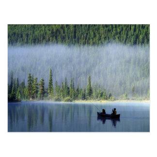 Jungen, die auf Wasservögeln Staatsangehöriger des Postkarte
