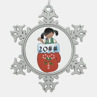 Juniorhandschuh-Dunkelheits-Haut Schneeflocken Zinn-Ornament
