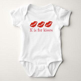 K ist für Kuss-roten Baby Strampler