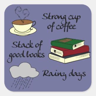 Kaffee, Bücher u. Regen - ändern Sie Farbe Quadratischer Aufkleber