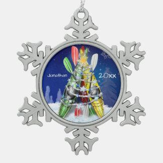 Kajak-Weihnachtsbaum-individueller Name und -jahr Schneeflocken Zinn-Ornament