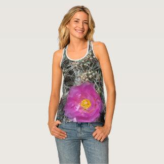 Kaktus-Blume in der Blüte Tanktop