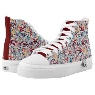 Kaleidoskop-Block-Druck im Rot plus Hoch-geschnittene Sneaker