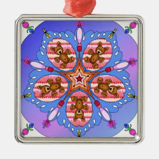 Kaleidoskop der Bären und der Bienen Quadratisches Silberfarbenes Ornament