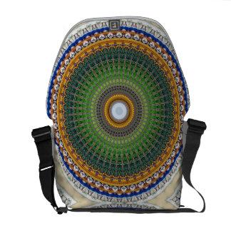 Kaleidoskop-Mandala in Portugal: Botschafts-Muster Kuriertaschen