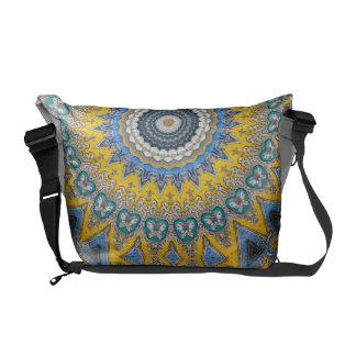 Kaleidoskop-Mandala in Portugal: Muster 224,8 Kurier Tasche