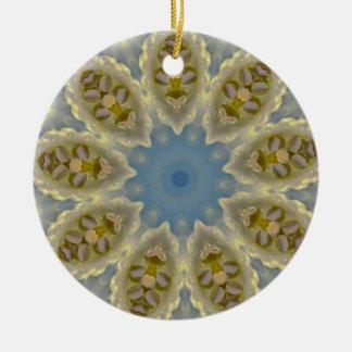 Kaltes und knusperiges WeihnachtsFraktal Keramik Ornament