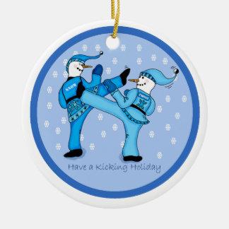 Kampfkunst-Schneemänner für Weihnachtsverzierung Rundes Keramik Ornament
