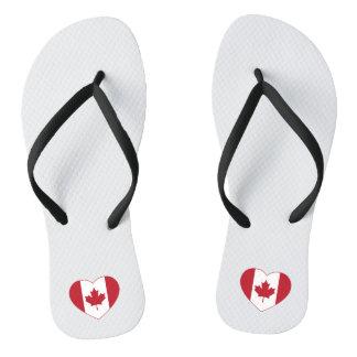 Kanada-Flaggen-Herz drehen Reinfälle um Badesandalen