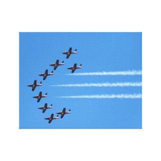 Kanadische Snowbirds fliegen Leinwanddruck