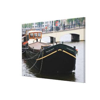 Kanallastkahn, Amsterdam, Holland Leinwanddruck